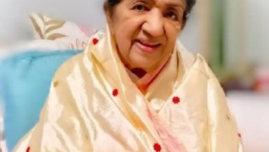Photo of Known from the age of six months, Lata Mangeshkar shared an old photo with the little sage on her lap.