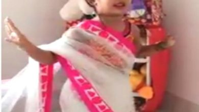 Photo of Saree later dances to 'Genenda Flower' song, Tumul viral video