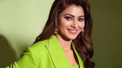 Photo of Urvashi Rautela's Facebook account is Hacked, posting one secret porn photo after another!