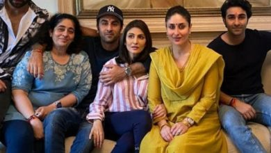 Photo of Alia and Kareena, special guests at the Kapoor family's Rakhi festival, shared a bunch of pictures