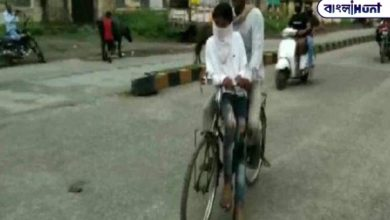 Photo of Ananda Mahindra will pay for his son's education by cycling 105 km to the test center.