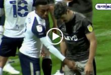 Photo of Opposing footballer's secret hand in the middle of the game! Viral dirty video at the moment
