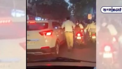 Photo of Policeman removes 2 km traffic jam by rushing to take patient to hospital: viral video